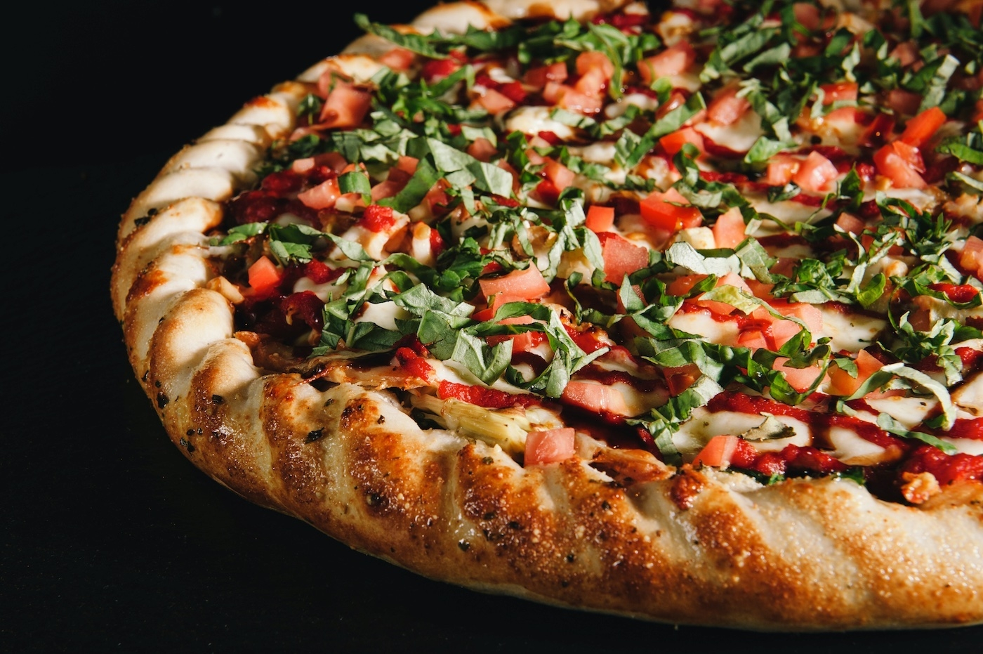 Pyro's Fire Fresh Pizza serves the only customizable gourmet pizza in four minutes.